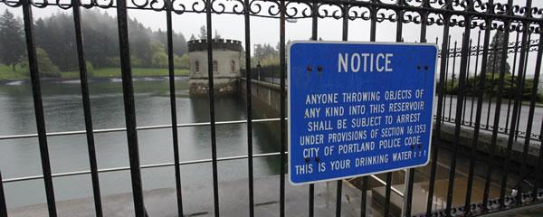 lake-tabor-urinating