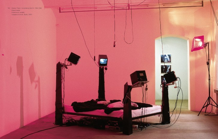 julia-scher-surveillance-bed-1994